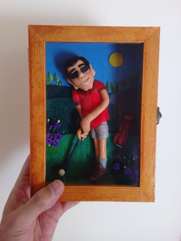 Retrato en plastilina JAVIER JUGANDO AL GOLF 07