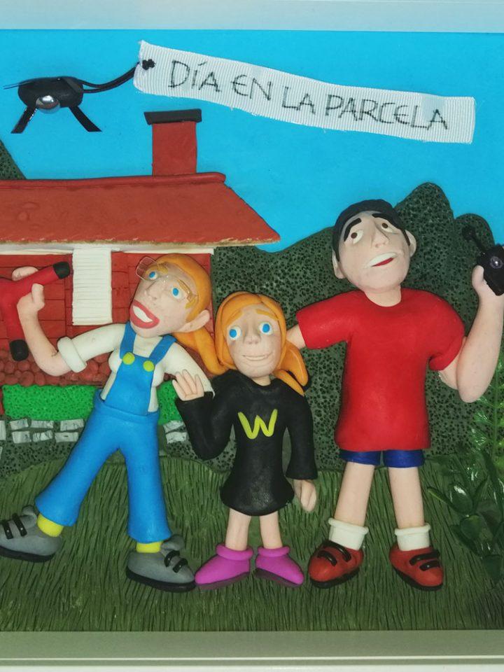 Retrato en plastilina ANA, IRENE y FERNANDO en la PARCELA 2