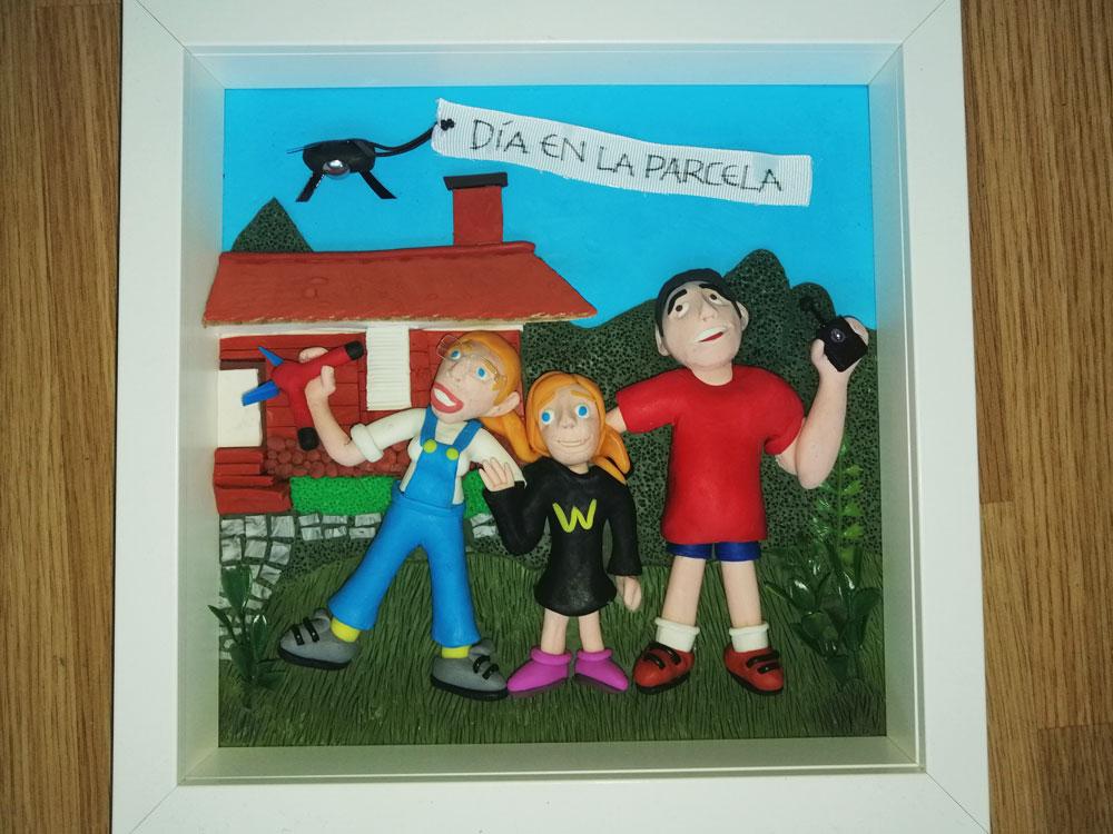 Retrato en plastilina ANA, IRENE y FERNANDO en la PARCELA 3