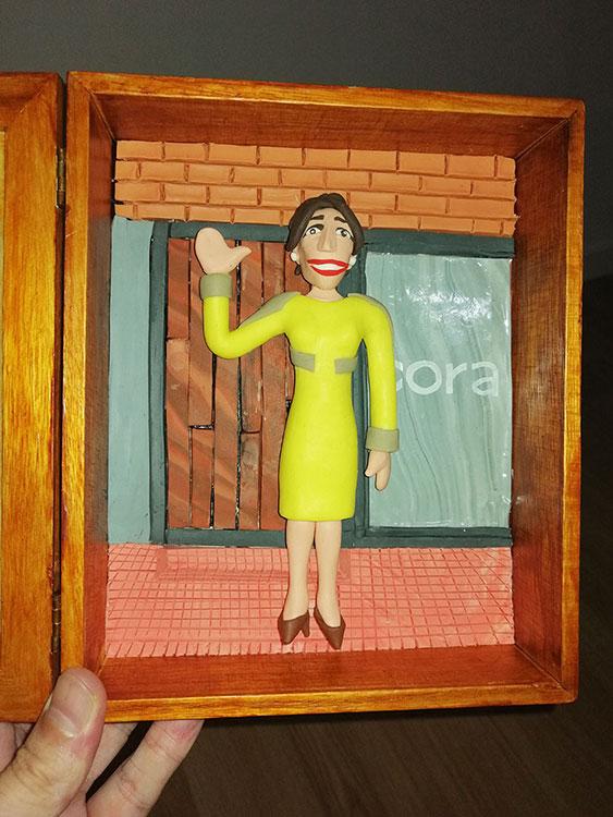 Fotos de proceso del retrato en plastilina VERO LLEGANDO a CORA 8